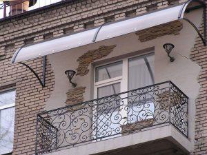 Козырек над балконом заказать в Луганске