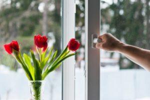Заказывайте ремонт и настройку пластиковых окон в Луганске
